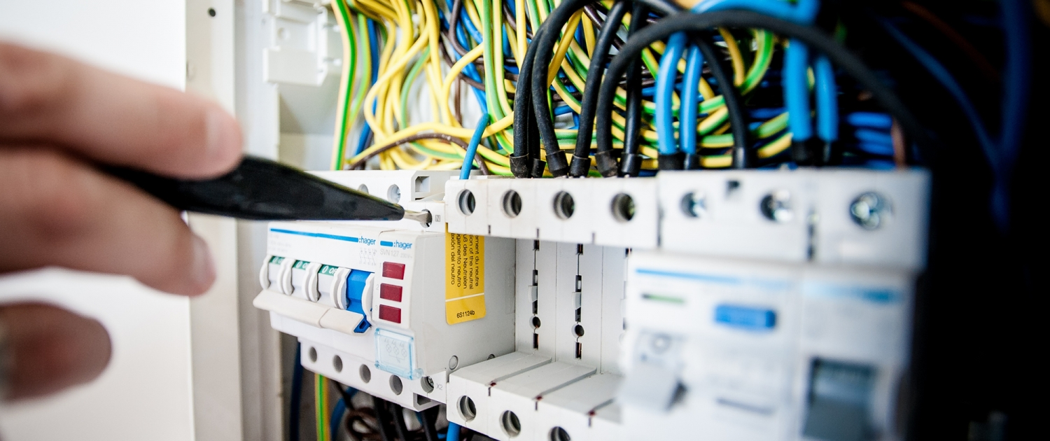 Troubleshooting electrical fuse box